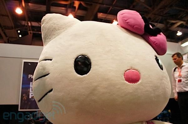 Hello Kitty pays a visit to CES 2012: If you want it, we got it in pink