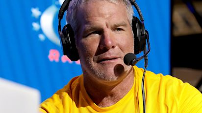 Favre: Mahomes has to be 'smart' about playing