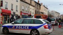 Incendie mortel à Lyon: Les deux associés de la boulangerie mis en examen et écroués