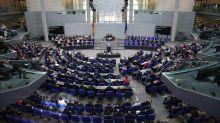 Fußball-WM: Bundestag nutzt Zeit, um unbeliebte Gesetze zu beschließen