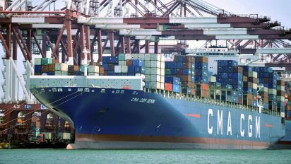 US import prices flat; dollar curbing imported inflation