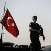 Turkey detains almost 300 presidential guards: official