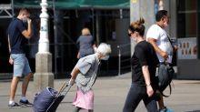 Reino Unido advierte de que haya 50.000 contagios cada día: toda Europa aumenta restricciones