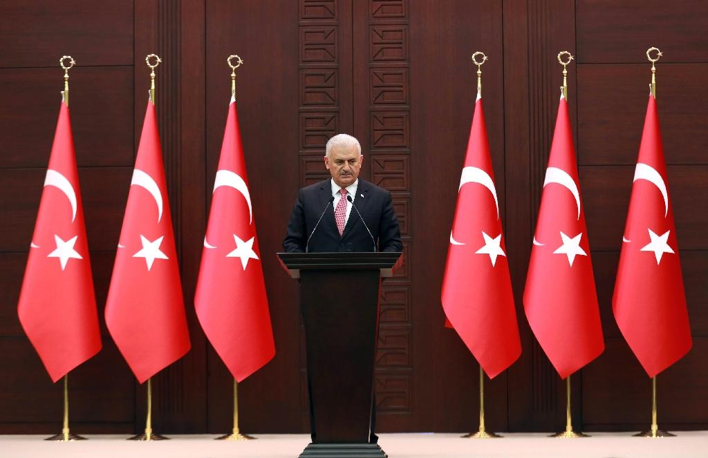 Turkish Prime Minister Binali Yildirim delivers a speech during a press conference after a Turkish-Israeli meeting, at the Cankaya Palace in Ankara, on June 27, 2016 (AFP Photo/Adem Altan)