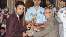 Watch: Virat Kohli & Mirabai Chanu Receive Khel Ratna Awards