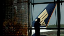 Singapore Airlines flags slow recovery in 2021, sees operating first quarter loss