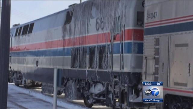 Stranded passengers arrive in Chicago after Amtrak trains get stuck in Illinois