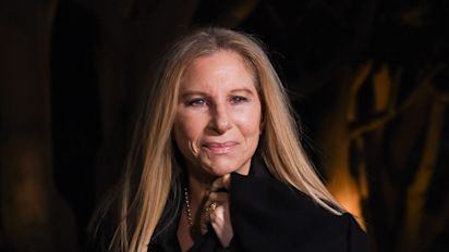 Streisand apologizes to Michael Jackson's accusers