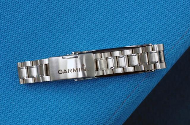 Garmin's stylish new fitness tracker is one you might actually want to wear