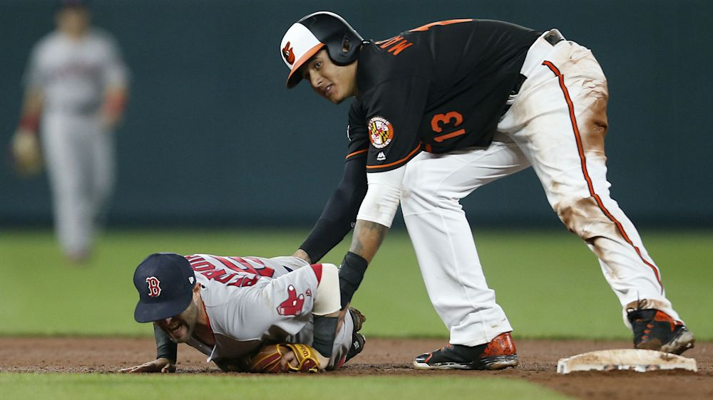 Red Sox pitcher Matt Barnes continues feud, throws at Manny Machado's head