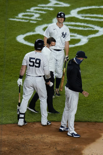 Yankees' LeMahieu on injured list with sprained left thumb