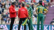 South Africa captain AB de Villiers hits out at umpires for implying his team were ball tampering