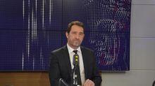La CGT Cheminots affirme que Christophe Castaner a pu monter dans un train complet, l'élu assure ne pas avoir été privilégié