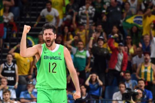 Guilherme Giovannoni anuncia aposentadoria da Seleção Brasileira