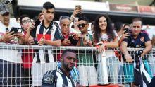 Jackson Martínez revela que gostaria de ter ficado no Atlético de Madrid e diz que lançará álbum religioso