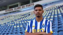 Porto anuncia Igor Cássio, ex-Botafogo, para o time B; Lateral ex-Atlético-MG também será reforço