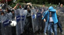 Demonstrators backing Turkey hunger strikers arrested