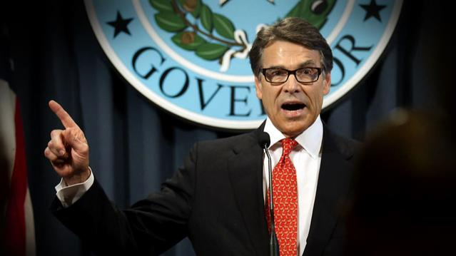 Texas Gov. Perry assembles defense team in power abuse case