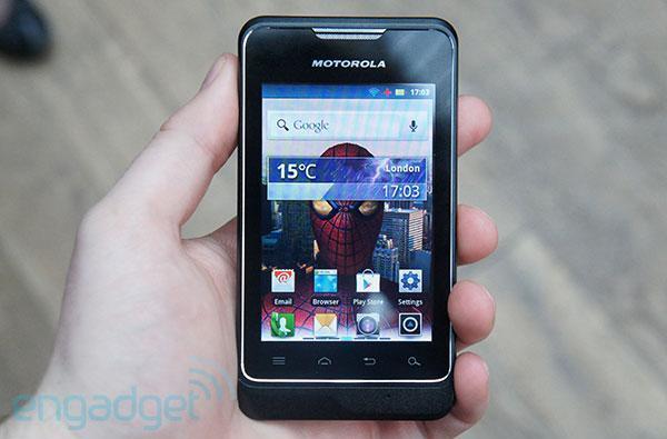 Motorola MOTOSMART comes to UK in July: we go hands-on
