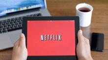 Netflix Greenlights Second Season of The Kominsky Method