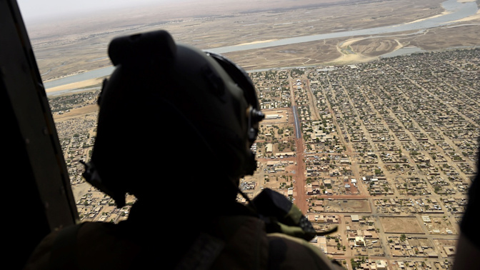 Canada sending troops, helicopter force to Mali