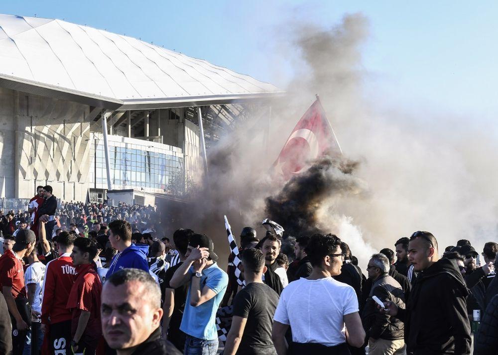Ligue Europa: Besiktas rejette la faute sur l'OL