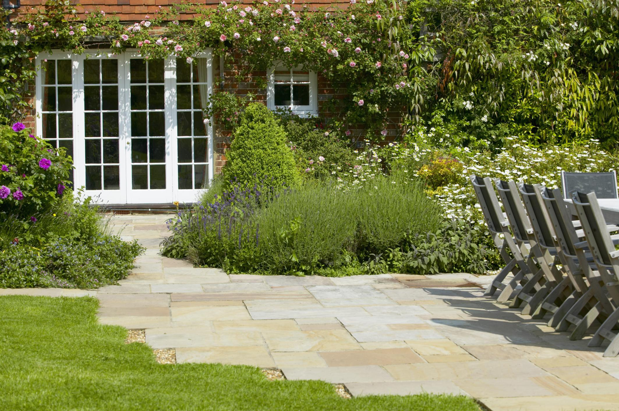 17 easy landscaping ideas for Channel 4 garden design ideas