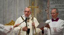 """Homosexuels : le pape François """"défend"""" le droit à l'union civile"""