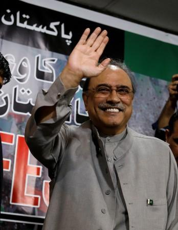 FILE PHOTO: Asif Ali Zardari, former president of Pakistan and co-chairman of Pakistan People's Party (PPP), gestures during a news conference in Islamabad