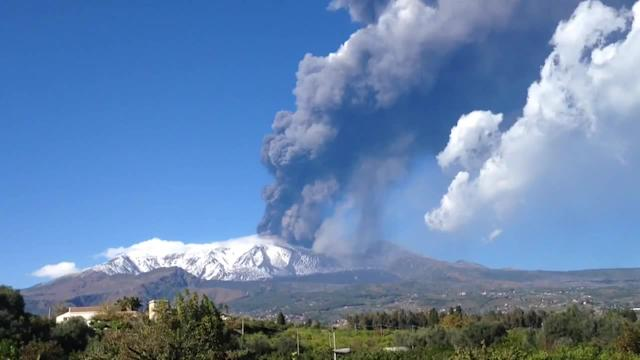 Spectacular eruption of Mount Etna