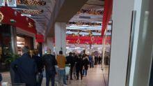 A Pompei lunghe code nei centri commerciali prima del lockdown