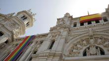 Madrid no colgará la bandera arcoirís por la sentencia del Supremo