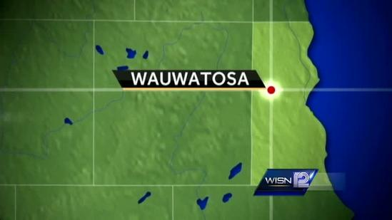 Milwaukee man accused of threatening two Wauwatosa police officers during OWI arrest.