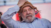 'Saio daqui triste', diz Lula, alvo de ato no RS