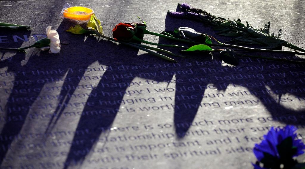 Coloradans mark 20th anniversary of a dark day: Columbine