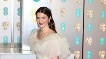Les BAFTA 2019 : voici les plus belles tenues de stars, de Rachel Weisz à Margot Robbie