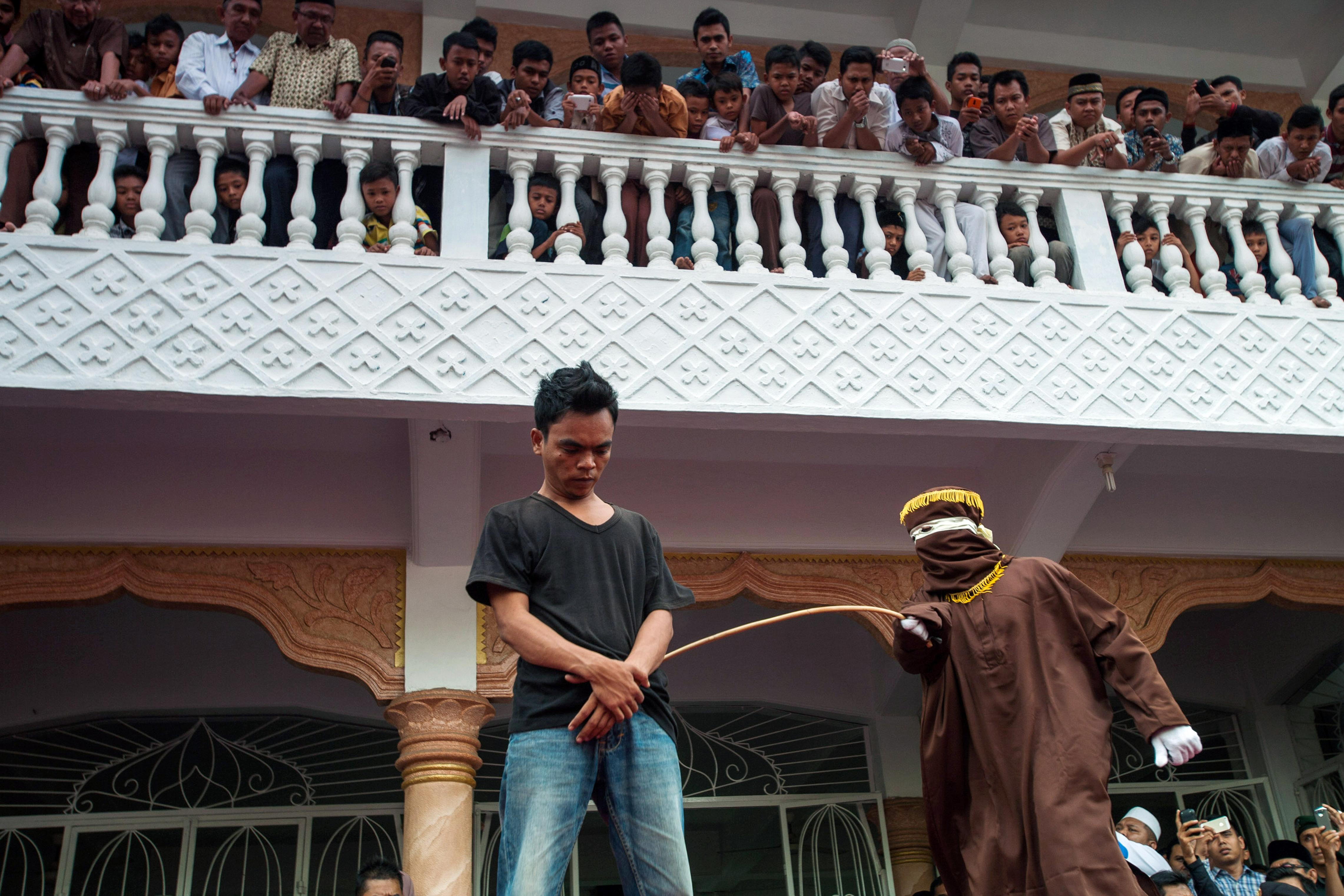 Indonesian Aceh Proposes 100 Lashes For Gay Sex