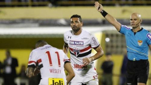 Ceni fala de Everton Ribeiro no São Paulo: 'Seria muito bem-vindo'