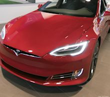 Analyst: Apple tried to buy Tesla in 2013 for $240 per share