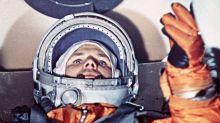 ¿Por qué los cosmonautas rusos orinan sobre un neumático antes de salir al espacio (y el polémico traje que amenazó con hacer desaparecer la tradición)