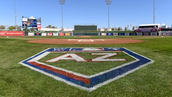 Players react to idea of MLB in the desert