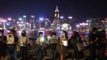 Forman en Hong Kong una gran cadena humana para emular la independencia de la URSS