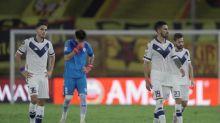 3-1. Barcelona remonta y va a cuartos de final a costa de Vélez