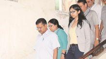 Visiting rape victim, CM Arvind Kejriwal stresses on need for death penalty