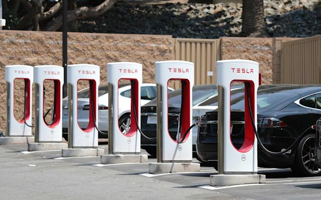 Some Tesla stations now limit Supercharging to 80 percent