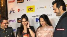 Ravishing Esha Deol And Hema Malini Captured In Videos At Cakewalk Premiere