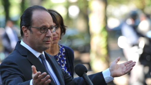 'No camps in France,' vows Hollande, under rightwing pressure