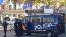 """Espagne: """"un négationniste du Covid"""" arrêté après des appels à la violence"""