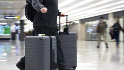 Bolsonaro veta bagagem gratuita em voos domésticos