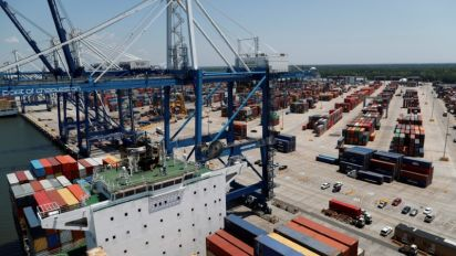 US economy to coast, sans a trade deal boost: Reuters poll